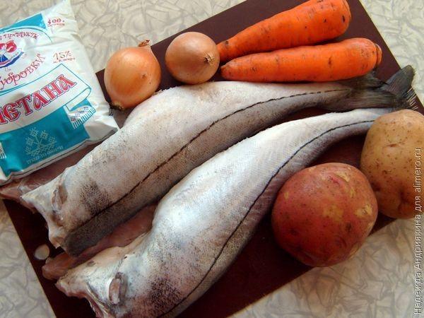 Рыба, запеченная с овощами под сметаной