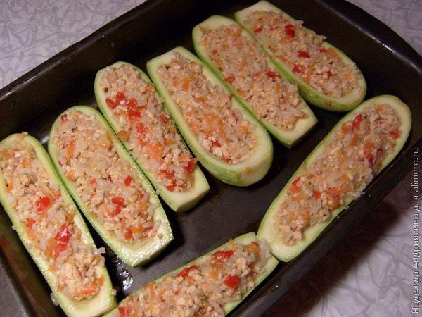 Лодочки кабачки с фаршем в духовке рецепт с пошаговый