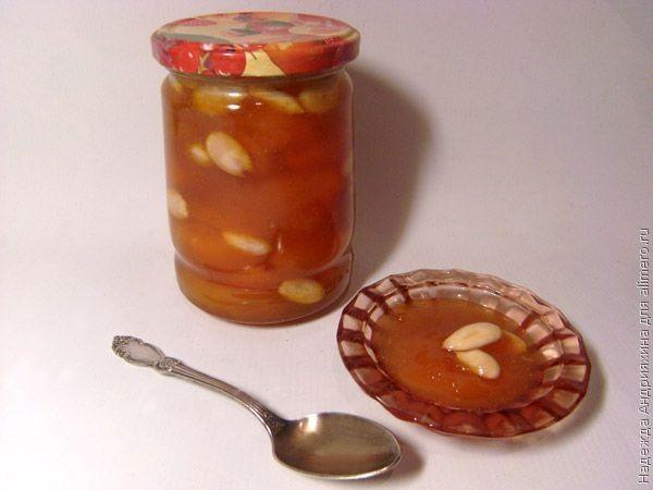 абрикосы с миндалем варенье