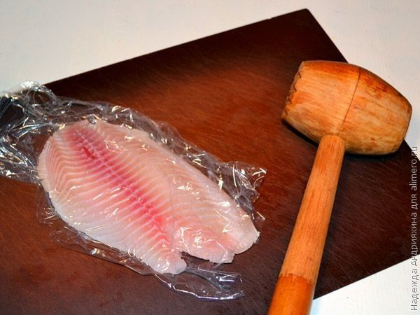 Рыба в плетенке из теста
