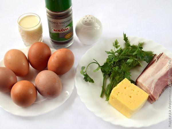 Яичные маффины с беконом