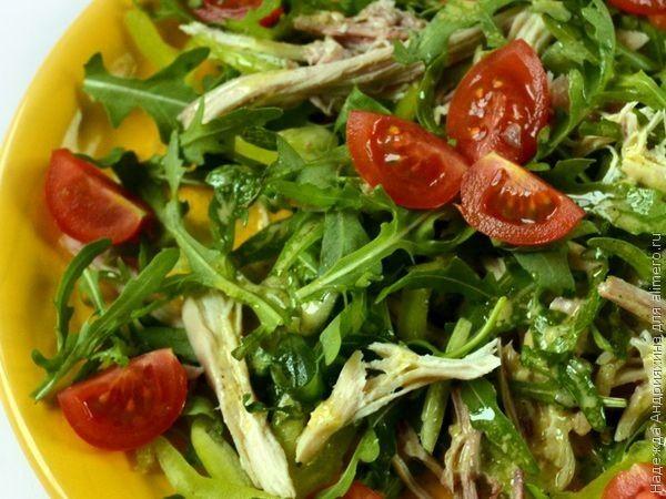 Курица листья салата винегрет