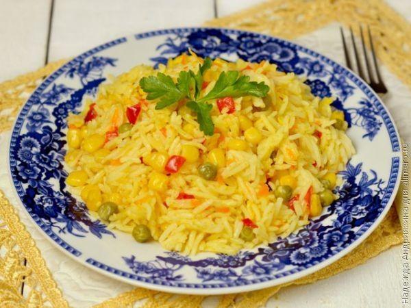 Гарнир из риса с овощами в мультиварке