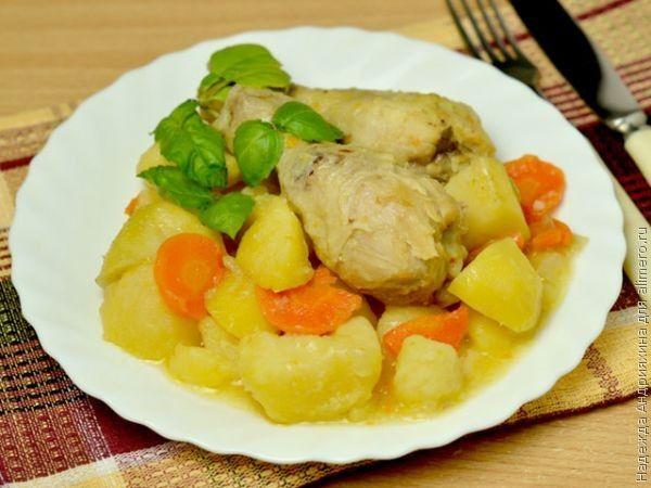 Куриные голени с картофелем в мультиварке