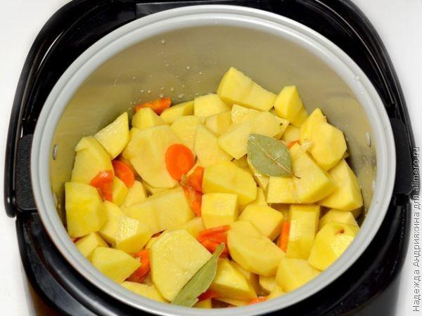голени с картофелем в мультиварке рецепты с фото