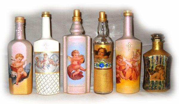 Если честно, я не знаю,  стоит ли декорировать стеклянные бутылки и что в них можно хранить, но смотрятся они очень красиво.