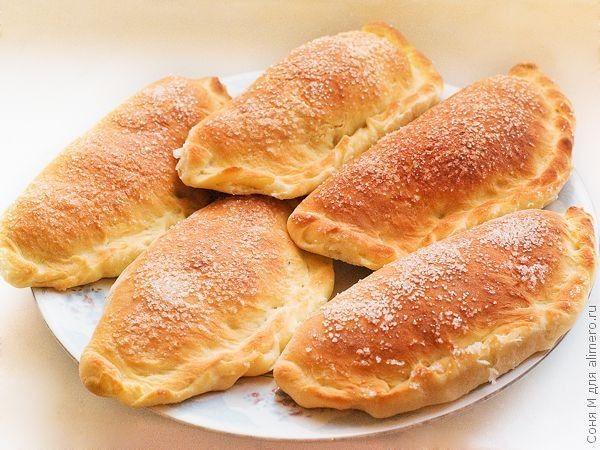 Деликатесные пирожки с вареной сгущенкой