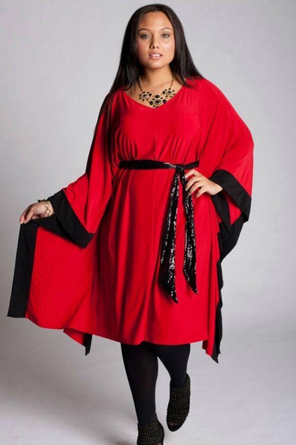 Прекрасный пример того, что обладательницам пышных форм не стоит бояться красных платьев! Такой фасон прекрасно скрывает недостатки фигуры, а цвет делает моложе и стройнее.