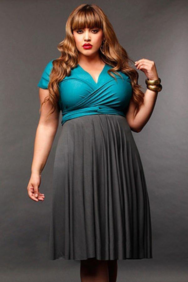 Прекрасный вариант! Яркий и насыщенный цвет верхней части платья привлекает внимание к шикарному декольте, а скромный оттенок юбки удачно скрывает изъяны фигуры.