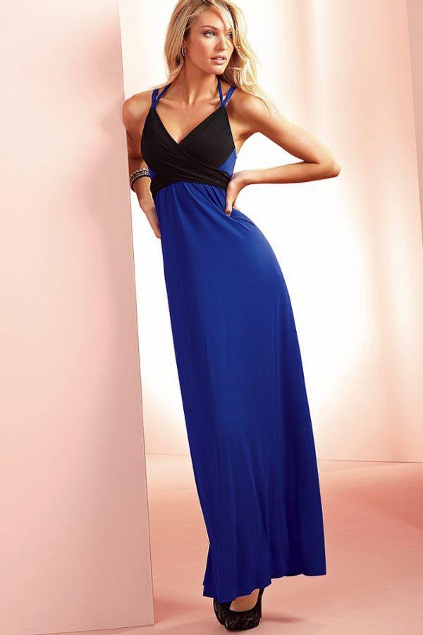 Прекрасное платье, красивое сочетание цветов. Такой вариант расцветки поможет сделать акцент на декольте и отвлечь внимание от талии, если имеются недостатки.