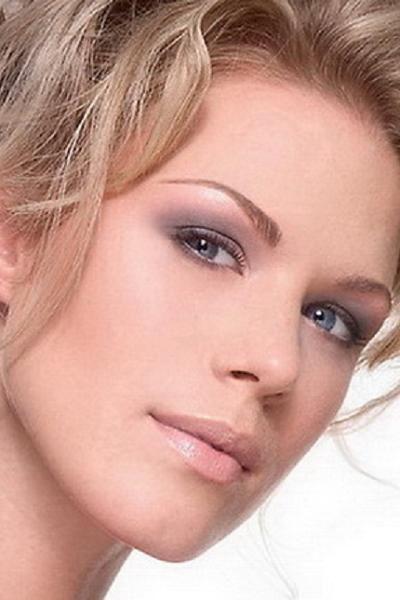 Идеальный макияж для голубых глаз.