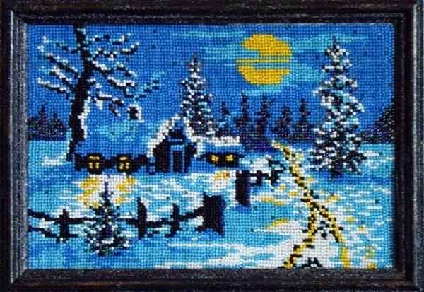 Эта зимняя картина вышита начинающей вышивальщицей, так как она легко делается и видно неправильно натянутая канва.
