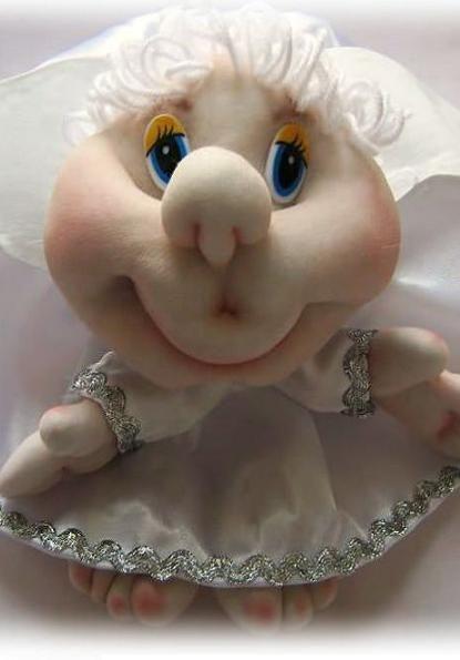 Кукла для свадебной машины. Отличное решение если хочется использовать хенд-мейд и сэкономить деньги.