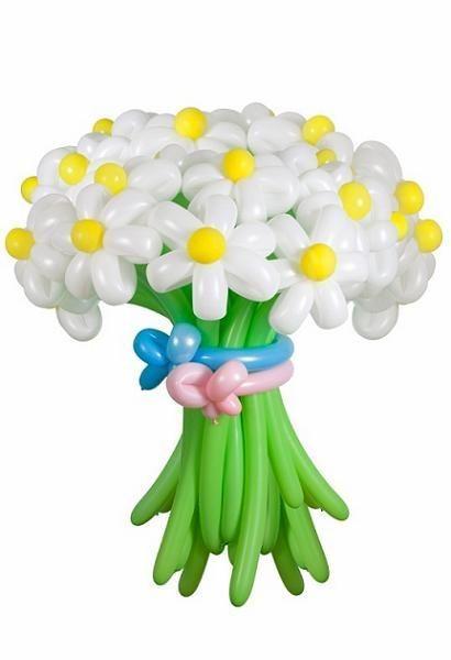 Белые цветы из воздушных шаров