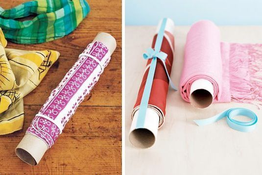 Картонные втулки от туалетной бумаги или бумажных полотенец уберегут нежные вещи от складок. Таким образом очень удобно хранить шарфы, а еще укладывать деликатные вещи в чемодан - места они займут меньше, да и необходимость в глажке отпадет.