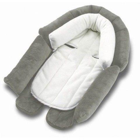 Вкладыш в автокресло для новорожденных - невероятно полезная штука. С ним малышу путешествовать намного комфортнее!