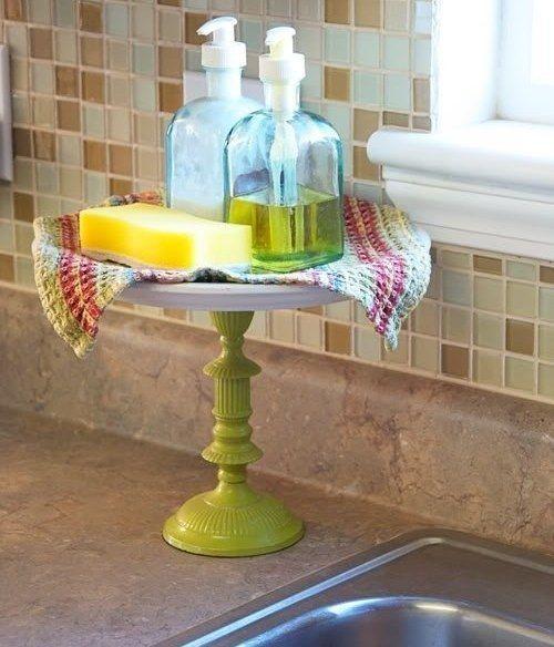 Подставка под фрукты и/или десерты - вещь, которая используется намного меньше, чем пылится в шкафу. Зато она отлично подойдет в качестве подставки для моющих средств возле умывальника.