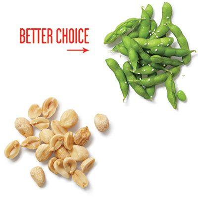Вместо традиционного соленого арахиса попробуйте употреблять спаржевую фасоль. Если ее слегка обжарить с солью, то вкус ничуть не хуже. Источник советов: www.buzzfeed.com