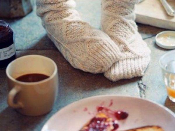 Заняться рукоделием. В обычные дни я очень страдаю от того, что на рукоделие не хватает времени. Думаю, что под хороший фильм я смогу довязать шарф для дочки.