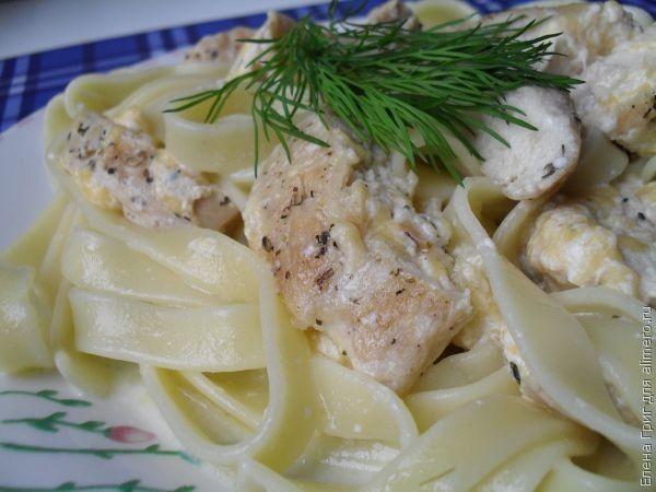 паста с курицей в сливочном соусе рецепт с грибами