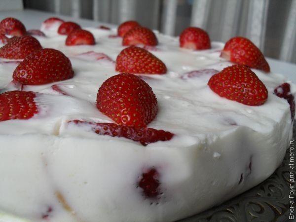Клубничный йогуртовый торт