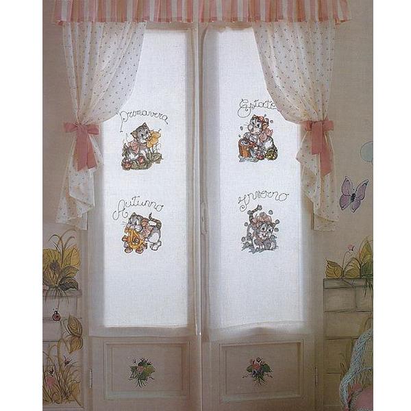 Такой вариант штор идеально подойдет для детской комнаты. Расцветку штор можно подобрать под цвет обоев или текстиля.