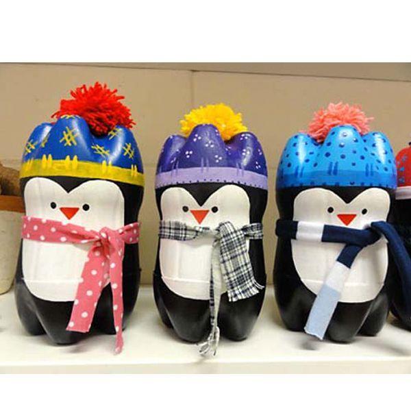 Пингвинчики из пластиковых бутылок - замечательная поделка и игрушка, способная украсить квартиру в праздники.