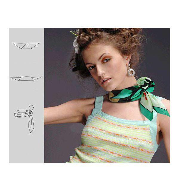 С шифоновыми и шелковыми шарфиками, платками и палантинами хорошо смотрятся броши, однако сработает это прием с тканями однотонной расцветки.