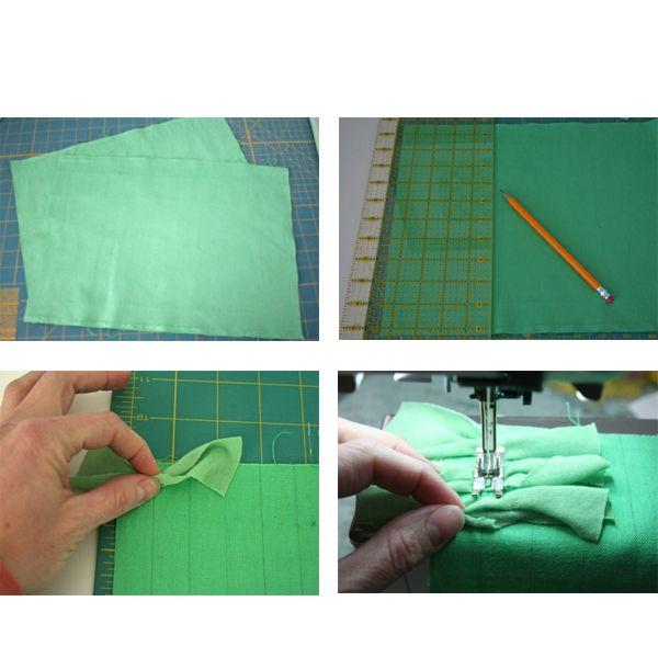 Далее, пристрочите прямоугольники к основе, подкладывая их под лапку швейной машинки на небольшом расстоянии друг от друга. Завершив ряд, загните и слегка пригладьте бахрому, чтобы видеть следующую линию.