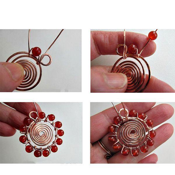 Подвеска  отлично смотрится на шнуре, цепи, ленте, воротник или она может быть частью элемента ожерелья. Делается она довольно просто.