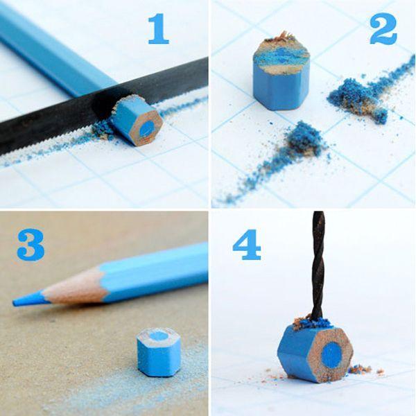 Берем цветные карандаши и пилим их на аккуратные маленькие кусочки. В кусочках просверливаем дырочку дрелью отверстия, за которые и вешаем на шнур. Получаются бусы.