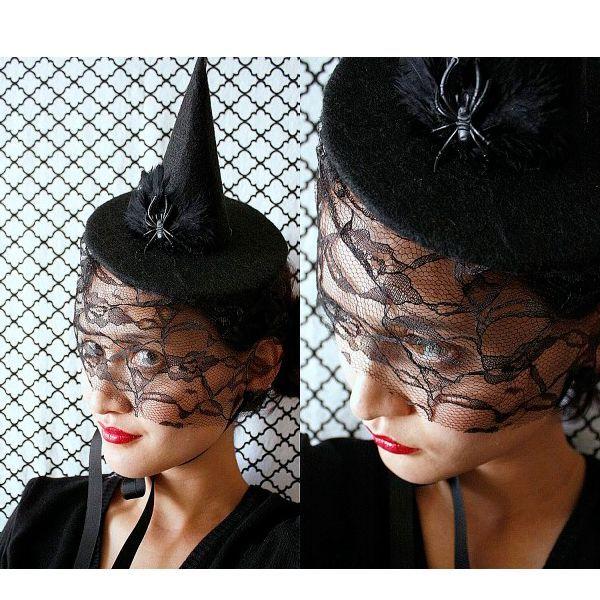 Черная остроконечная шляпа - непременный атрибут очаровательной ведьмочки. В таком образе вы не останетесь не замечены!