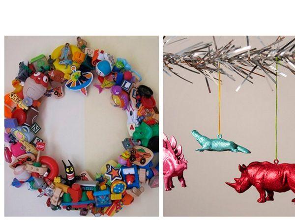 Украшения на ёлку или венок для двери в детскую тоже могут быть сделаны из старых игрушек. Чтобы они стали ярче, покройте их акриловой краской.