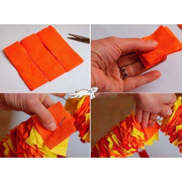 Складываем салфетку в несколько раз. Нарезаем ее на квадраты. Таких квадратов нам понадобится много, поэтому смело можете брать целую пачку. Из проволоки делаем сердце. Нанизываем квадраты на проволоку.