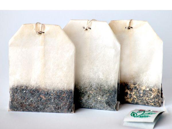 Хотите устранить неприятный запах в сумке, холодильнике, коробке, банке из под какого-либо продукта? Положите туда неиспользованный чайный пакетик.