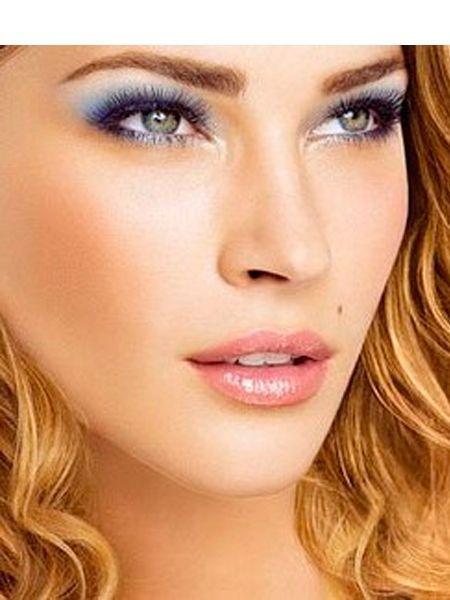 Для блондинок с синими, серыми глазами лучше пользоваться серыми, голубыми, серебристыми, синими тенями. Кареглазым блондинкам больше всего подходят тени сероватых, бронзовых оттенков.