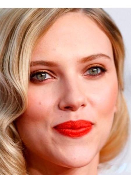 Макияж для голубых глаз  блондинок отличается преобладанием синих, серых, фиолетовых и голубых цветов в нем. Сочетание васильковых или небесно-голубых глаз со светлыми волосами можно назвать классическим.
