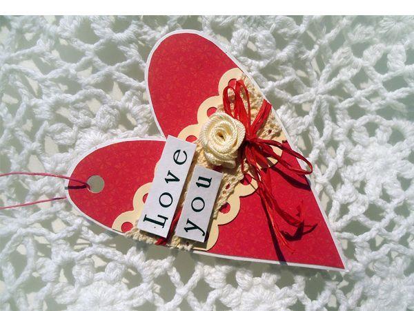 Подвеска в форме сердца - это не только милый сюрприз, но и прекрасный способ украсить интерьер или подарочную упаковку.