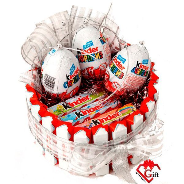 Подарок из конфет детский своими руками