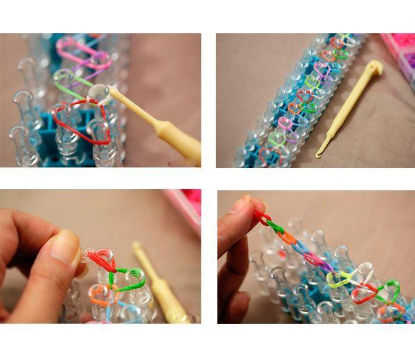 Крючком для вязания подденьте вторую с конца резиночку и перебросьте ее на зубец так, чтобы образовалось кольцо. То же сделайте с остальными резиночками. Аккуратно снимите браслет со станка.