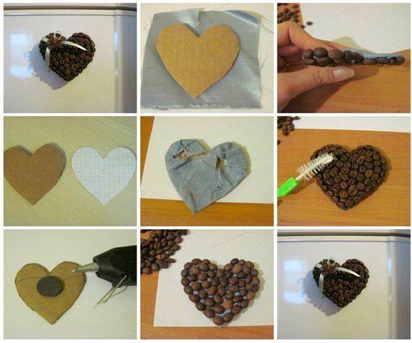 Из картона вырезаем сердечко, обклеиваем его тканью. Наклеиваем кофейные зерна, декорируем и приклеиваем магнит.