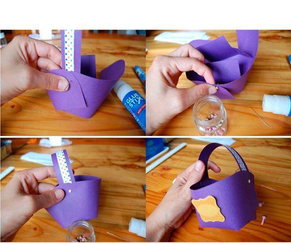 Приклейте ручку. Декорируйте корзинку цветами из цветной бумаги, пуговицы и другими элементами.