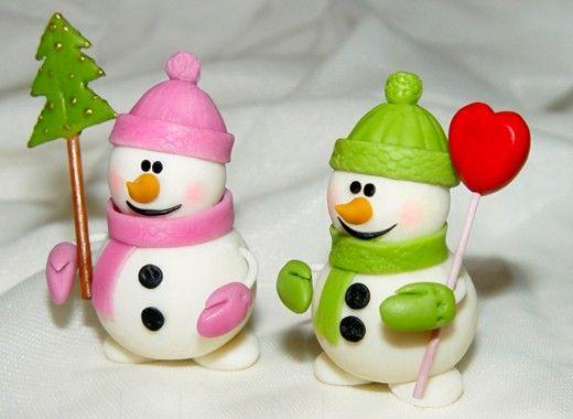 Как сделать из полимерной глины снеговика