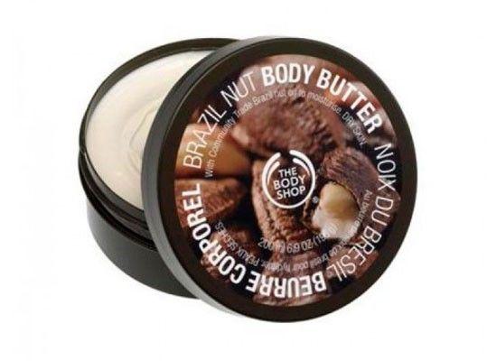 Если вдруг случилось так, что крем для тела вам чем-то не угодил, но в его составе есть витамины и полезные вещества, используйте его в качестве…маски для волос. Нужно всего лишь нанести его на голову на 2 минуты и смыть теплой водой.