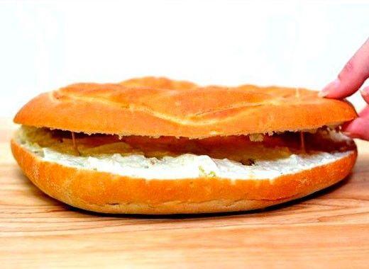 Чтобы делать торт более устойчивым и чтобы слои не разъезжались, пекари часто используют зубочистки для скрепления слоев.