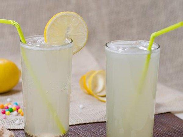 Имбирный эль. Выжмите сок из винограда и свежего корня имбиря. Хорошо перемешайте, охладите и подавайте.