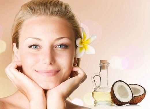 Предотвращение морщин. Кокосовое масло станет хорошей альтернативой дорогим антивозрастным кремам и сывороткам, минимизируя появление морщин. Просто нанесите немного масла на кожу вокруг глаз и легонько помассируйте.
