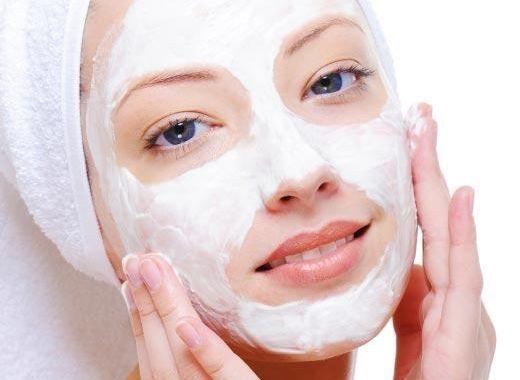 Антибактериальная маска для лица. Еще один рецепт быстрой домашней маски для лица с увлажняющими и антибактериальными свойствами. Смешайте кокосовое мало и мед и нанесите на чистую кожу лица на 15 минут, после чего смойте теплой водой.