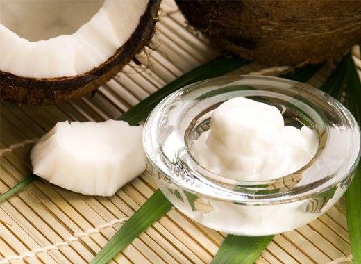 Солнечные ожоги. Если вы обгорели на солнце, нанесите на покрасневшие участки кожи немного кокосового масла, оно уменьшит раздражение, увлажнит кожу и минимизирует отшелушивание.