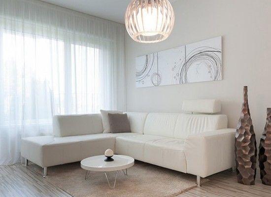Запомните, что белые, светло-серые, голубые и зеленые тона визуально увеличивают пространство. Сегодня в моде скандинавский стиль дизайна помещений, а это значит, что белыми или очень светлыми могут быть не только потолок и стены, но и мебель, а так же пол.